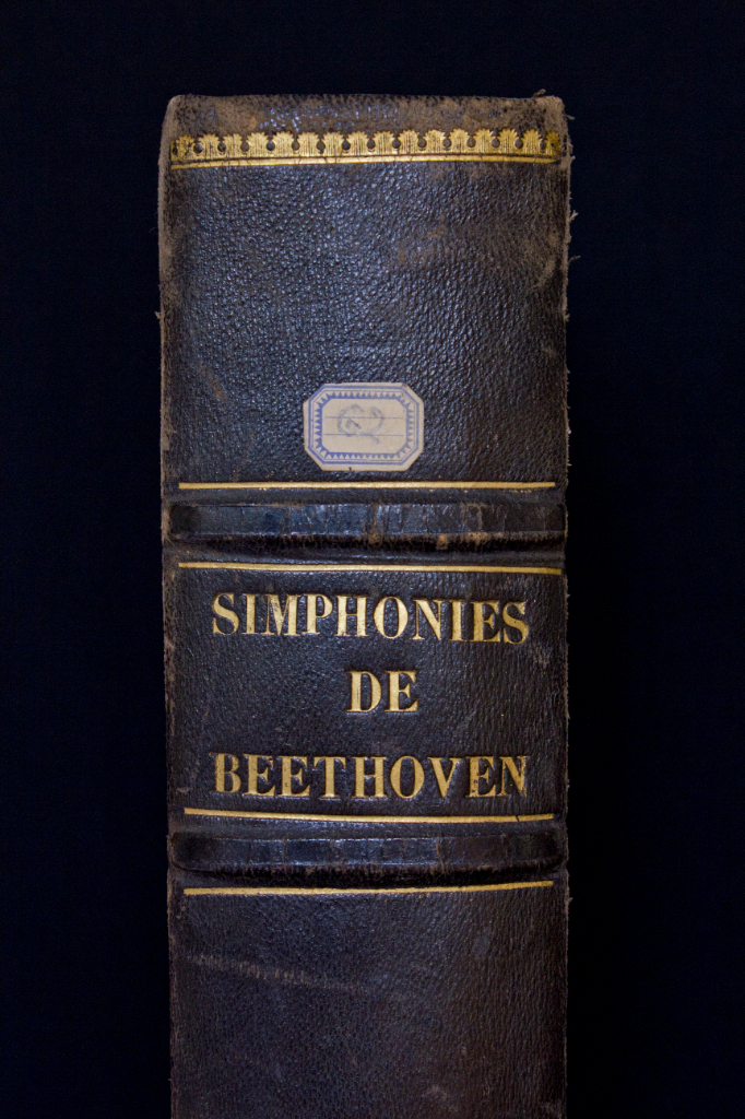 The symphonies by Beethoven, edited by Fétis in France, from Rossini's collection. FEM-708.
